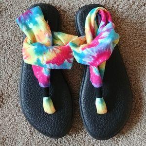 NEW Sanuk Rare Rainbow Tie Dye Sandals Sling Back